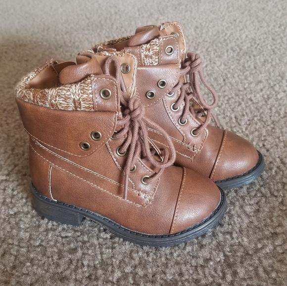 6bd309bf1 Steve Madden Baby Girl JJacks Combat Boots 7. M_5c6c7f43df03075f401b613d